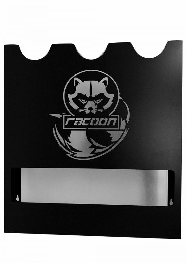 plechový držák černé barvy s vypáleným logem Racoon Cleaning products na tři leštičky