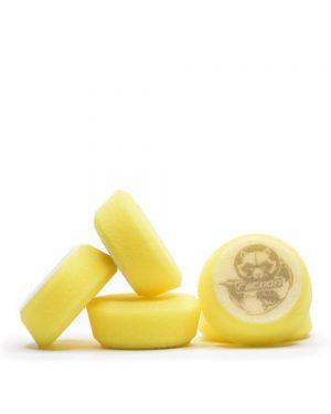 pět žlutých měkkých pěnových leštících kotoučů s logem autokosmetiky Racoon Cleaning Products