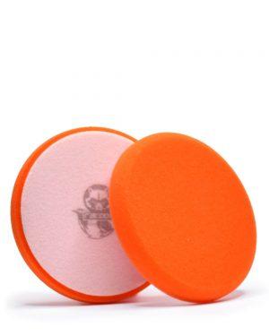 dva oranžové středně tvrdé pěnové leštící kotouče s logem autokosmetiky Racoon Cleaning Products