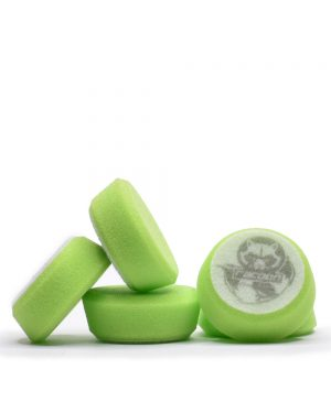 pět zelených extra měkkých pěnových leštících kotoučů s logem autokosmetiky Racoon Cleaning Products
