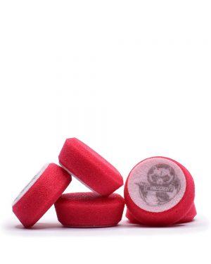 pět červených extra tvrdých pěnových leštících kotoučů s logem autokosmetiky Racoon Cleaning Products