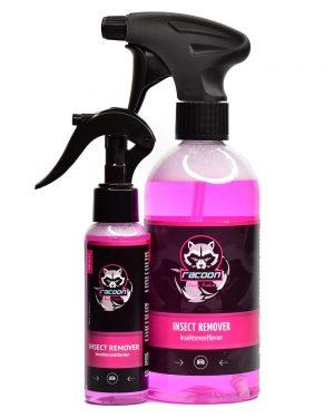 dvě průhledné láhve různé velikosti s rozprašovačem obsahující přípravek odstraňovač hmyzu růžové barvy pro exteriér vozidla, s výrazným logem Racoon Cleaning Products
