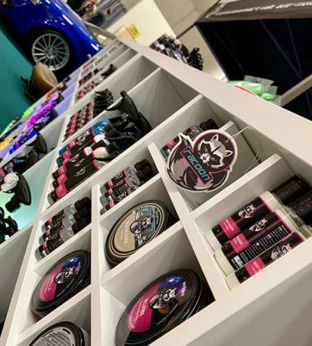 Produkty Racoon Cleaning Products v stánku na výstavě v Nitře